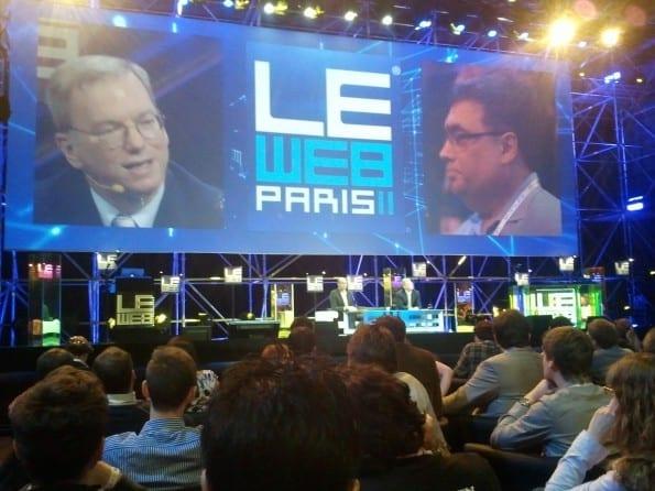 Eric Schmidt (links) tijdens de Q & A sessie met de zaal