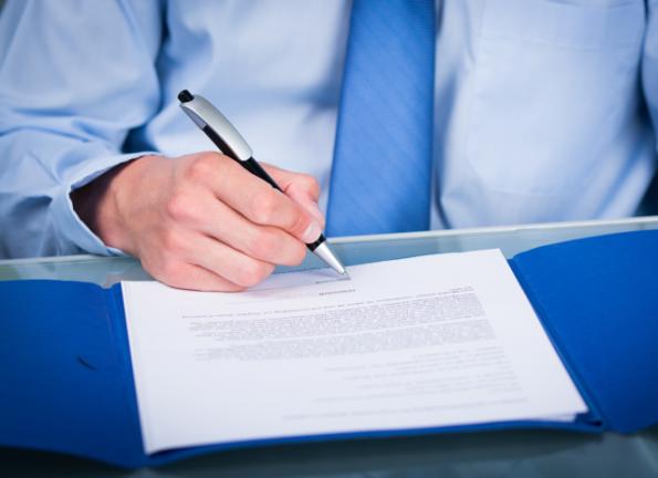 Overeenkomst handtekening contract © Picture-Factory - Fotolia.com